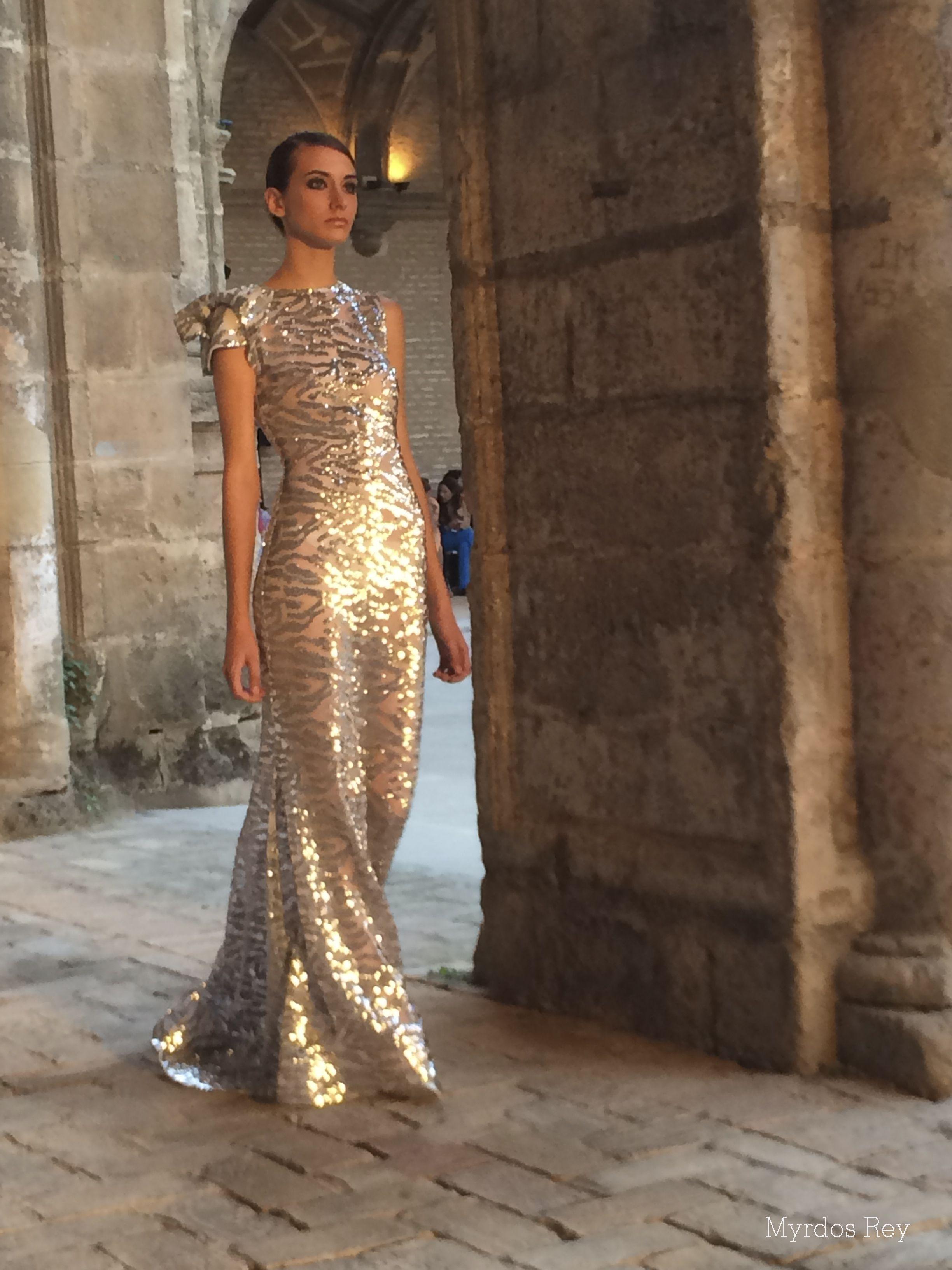 #desfile #monasteriosanjeronimo #sevilla #SIQHandcraft&Fashion #AlejandroPostigo #novia #moda #plata #transparencias #AgenciaDobleErre #RaquelRevuelta