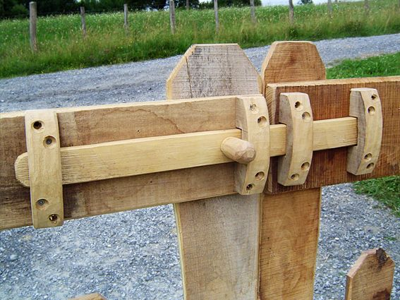 Chargement Image In 2019 Fence Design Woodworking
