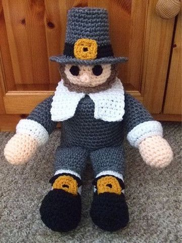 This little pilgrim will be more than happy to keep an extra roll of tissue paper ready for all of your guests. Won't they smile when they see him??? He has a big buckle on his hat and two smaller one