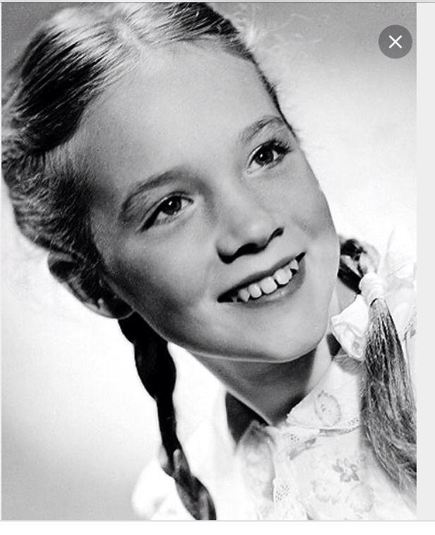 Child Julie Andrews Julie Andrews Young Celebrities Famous Faces