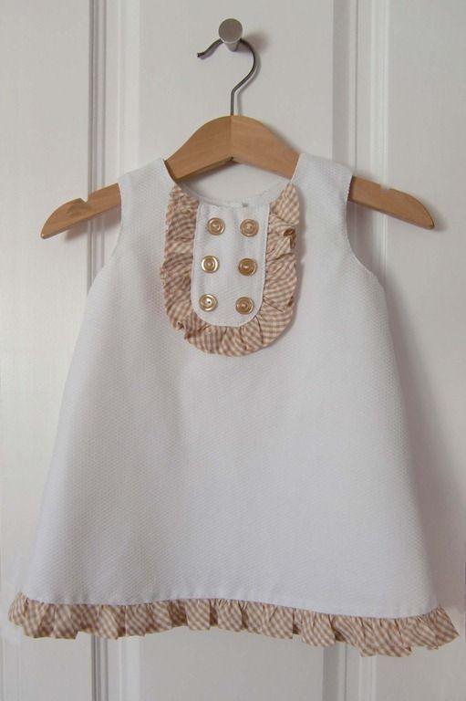 Hoy os traigo un patrón para vestido de bebé, la talla es 6-9 meses ...
