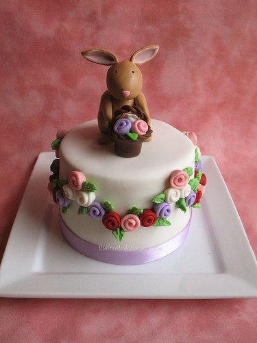 Aww.  Cute cake beyond words.