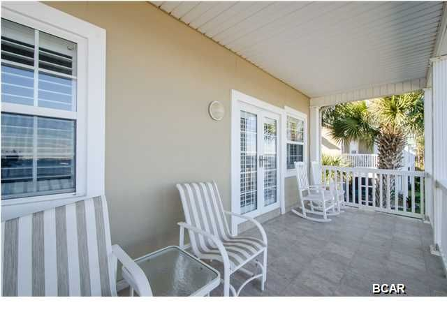 Gorgeous Front Porch On Pelican Bay Beachy Beach Real Estate Call Karen Smith 17500 Panama City Beach Pkwy Panama Porch Patio Panama City Panama Home Decor