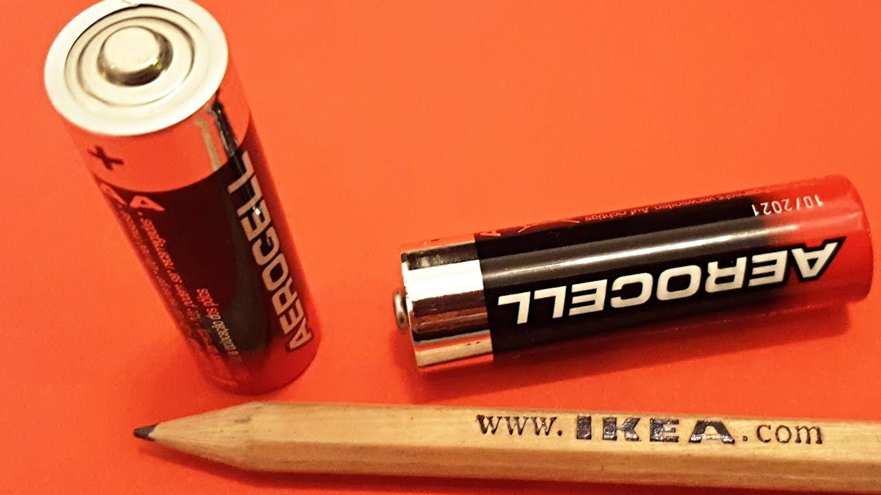 Life Hack How To Light A Pencil With A Battery Battery Hacks Fun Science Cool Fire