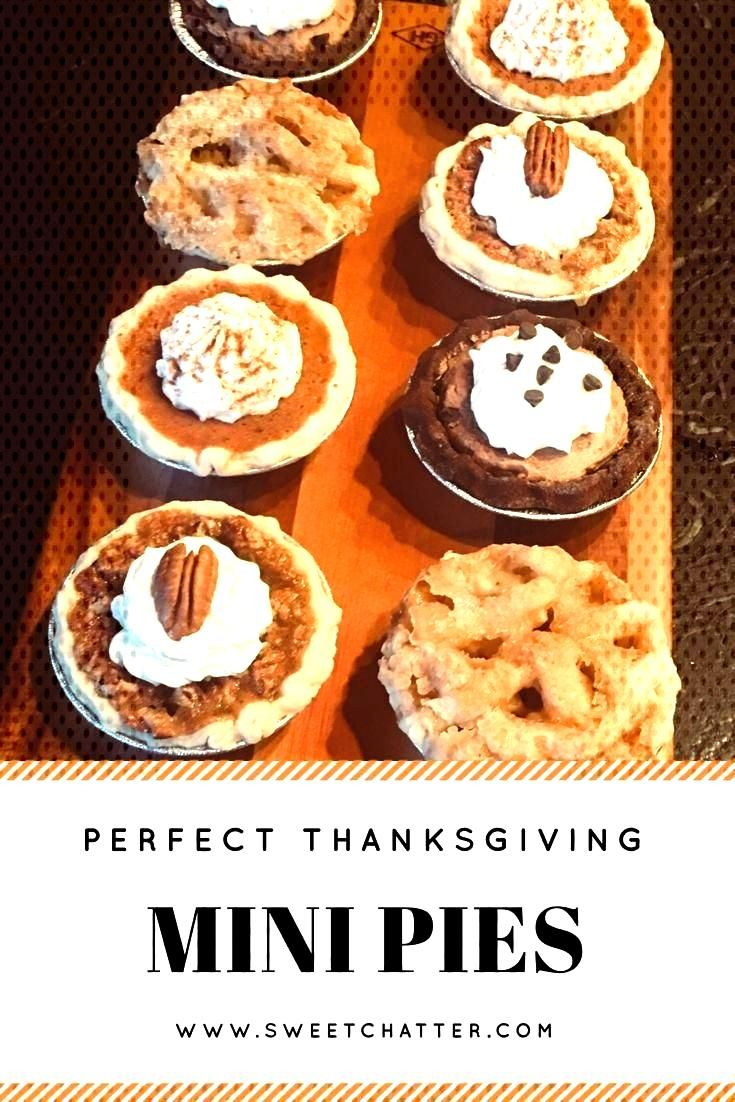 Mini pies are perfect for Thanksgiving! Pumpkin p...