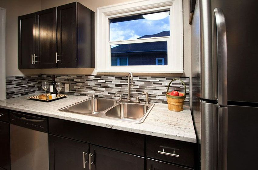 27 Small Kitchens With Dark Cabinets Design Ideas Backsplash For White Cabinets Backsplash With Dark Cabinets Kitchen Backsplash Designs