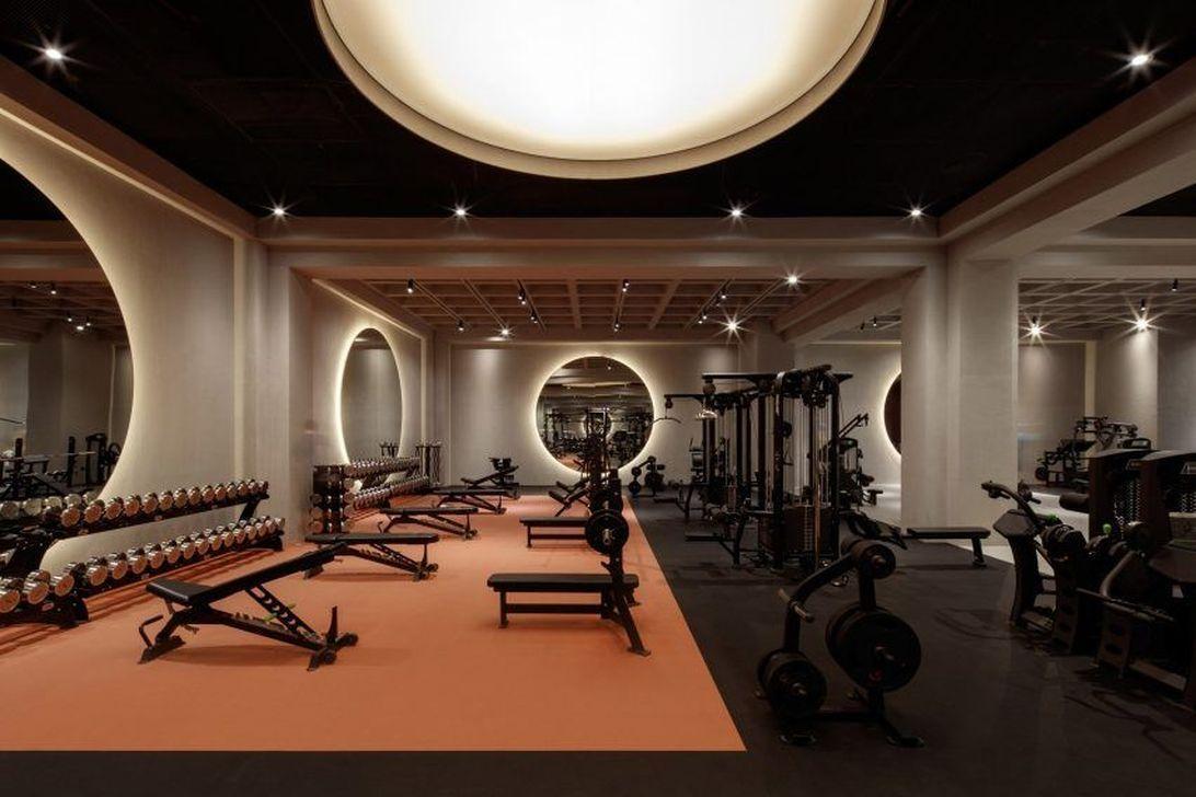 34 Gorgeous Home Gym Design Ideas Keep You Healthy Sweetyhomee Gym Design Interior Warehouse Gym Gym Design