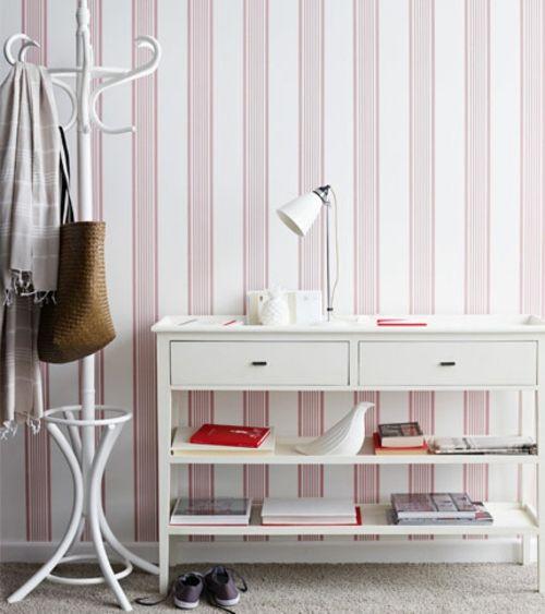 weiße streifen vertikal flur anrichte regale aufhänger bücher Home - flur idee