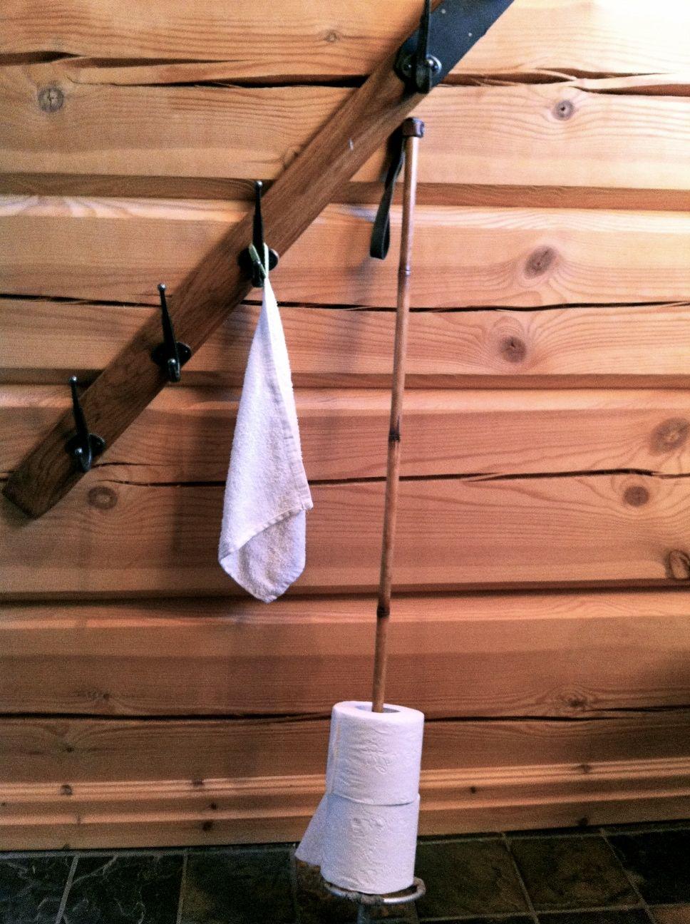ski et baton recycl hiver ski enneig skier montagne. Black Bedroom Furniture Sets. Home Design Ideas