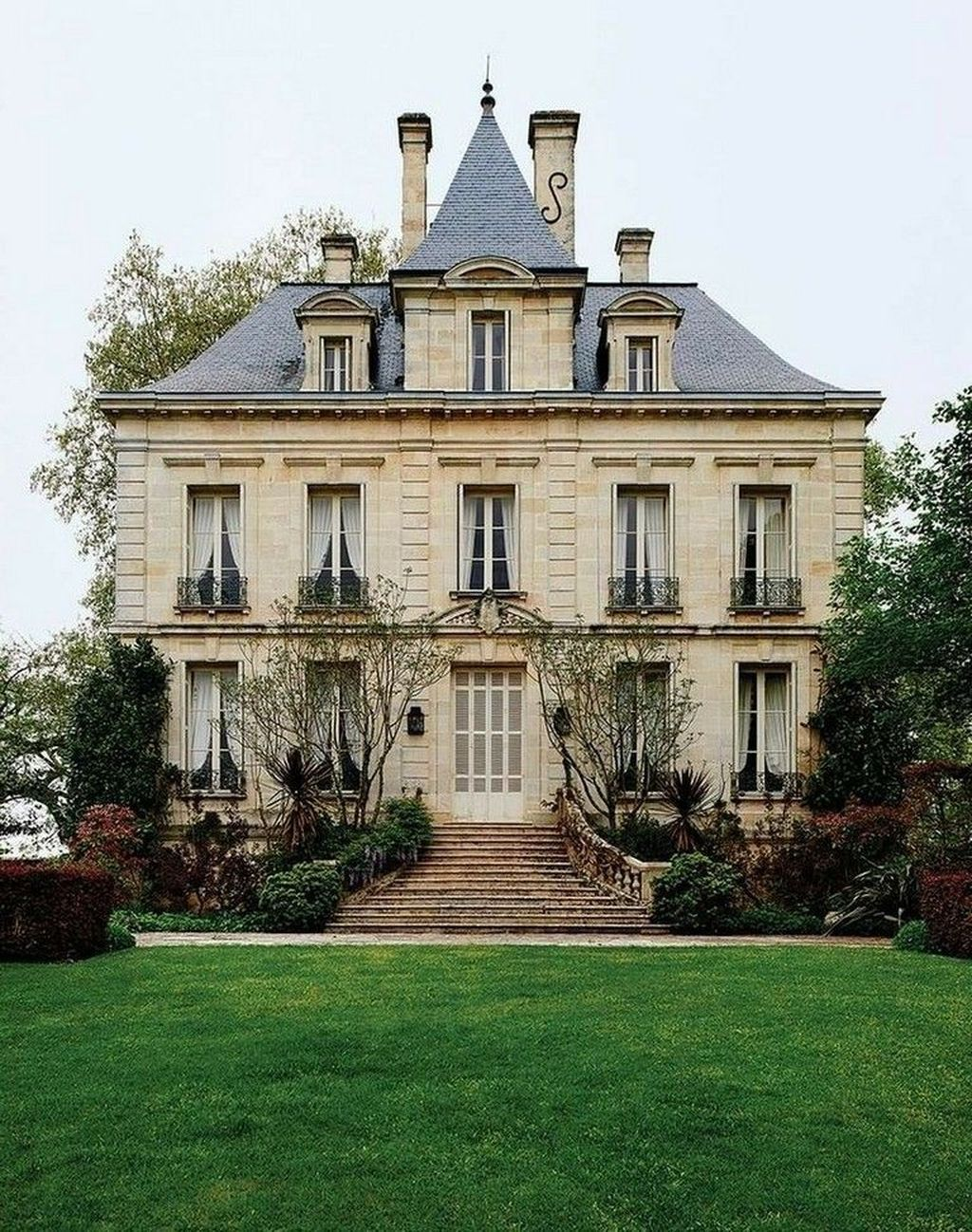 Stunning Victorian Farmhouse Exterior Design Ideas 10 French Country House French Cottage French Architecture