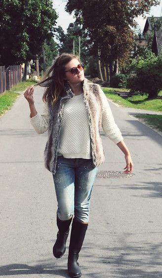 Mango White Sweater, Mango Jeans, Massimo Dutti Boots, Ebay Leopard Sunglasses, Fur