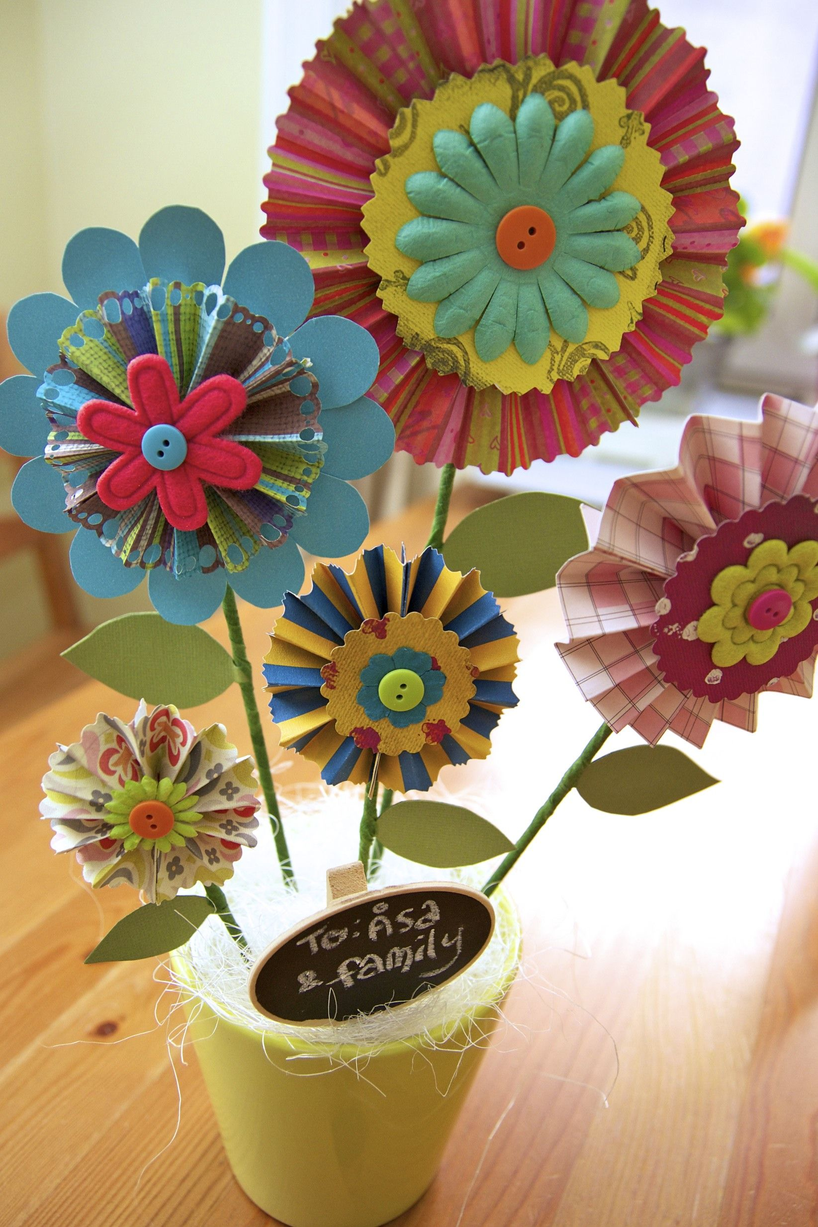 A Gift For Sa A Pot Of Fan Paper Flowers Inspirations