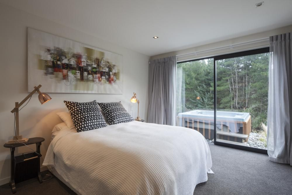 Arthur\'s Point House | Bedroom Design, Small Space | NZ Homes ...