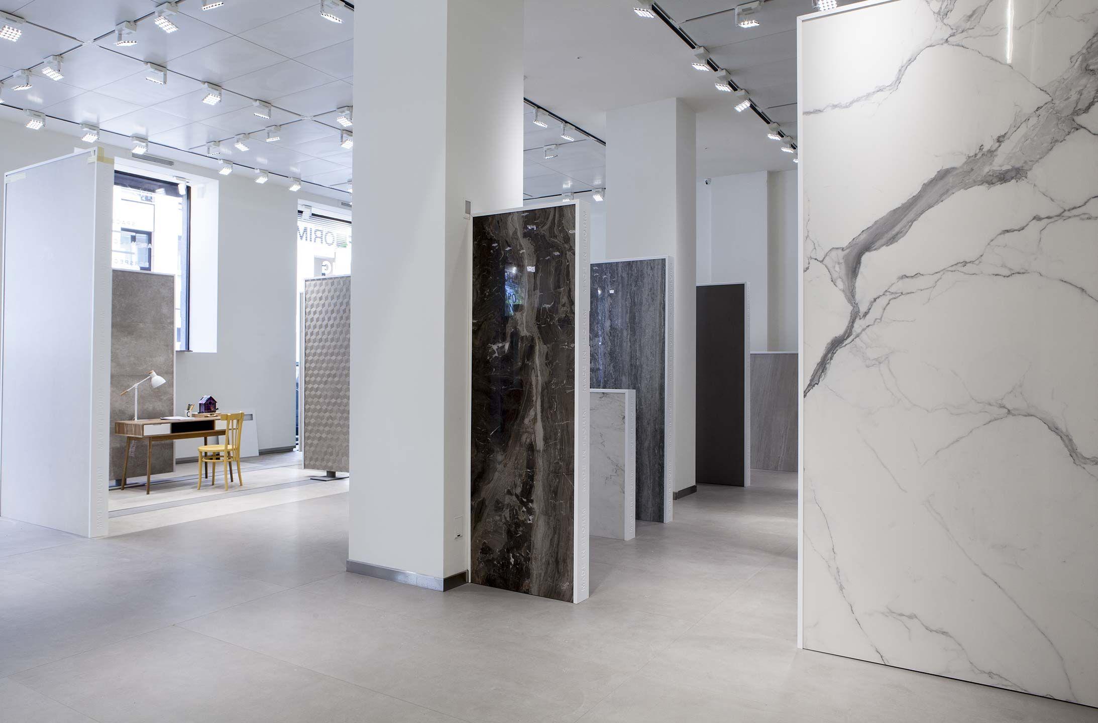 Design per la casa for Casa classica porcelain tile