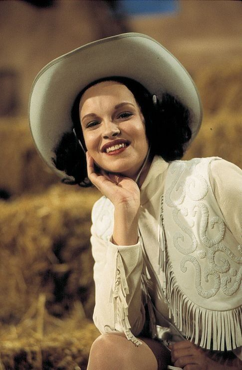 Tammy Blanchard In Life With Judy Garland Me And My Shadows Looks Just Like Her Judy Garland Actors Actresses Blanchard