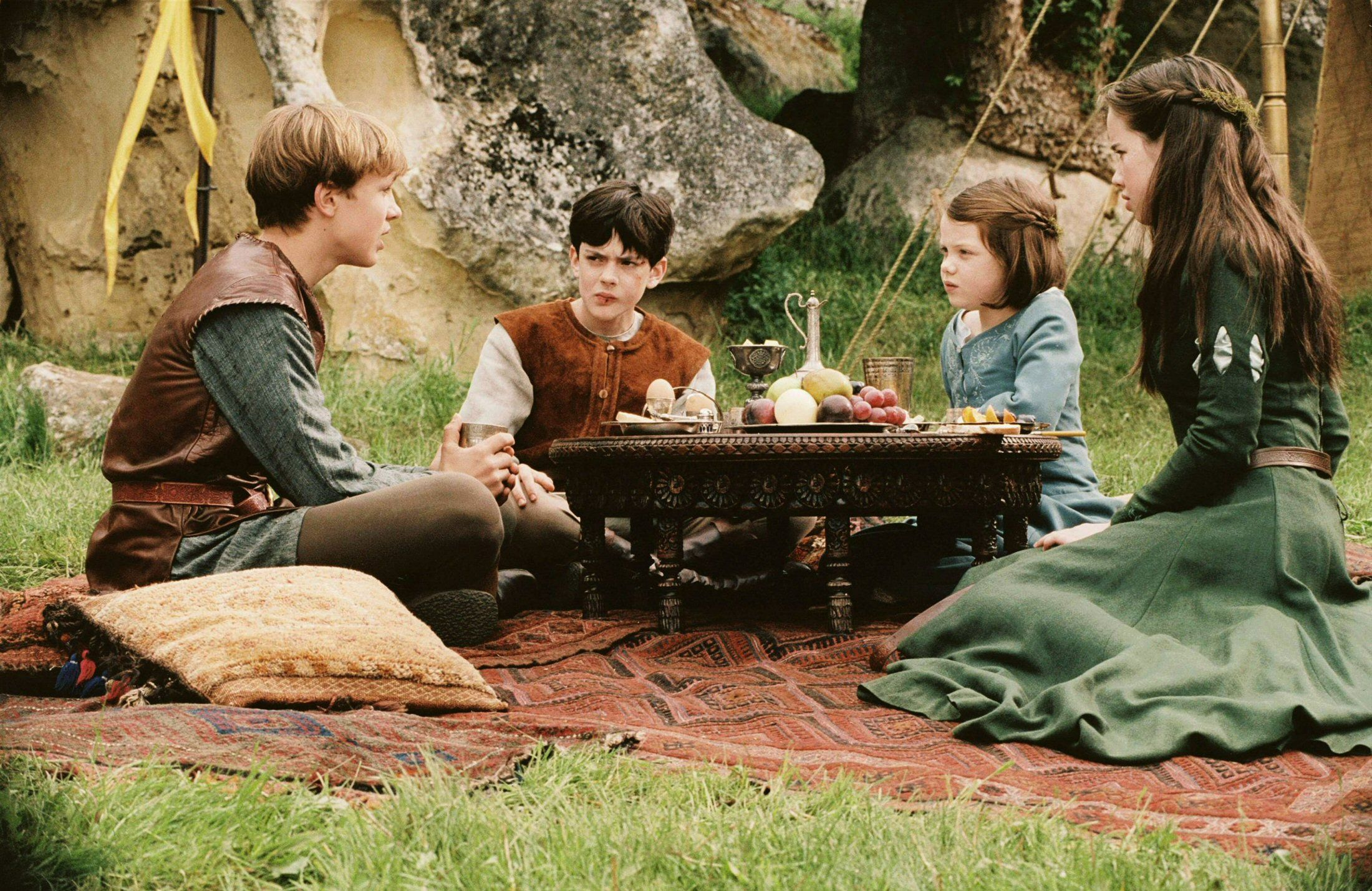 Peter Edmund Lucy Susan Narnia Love These Films