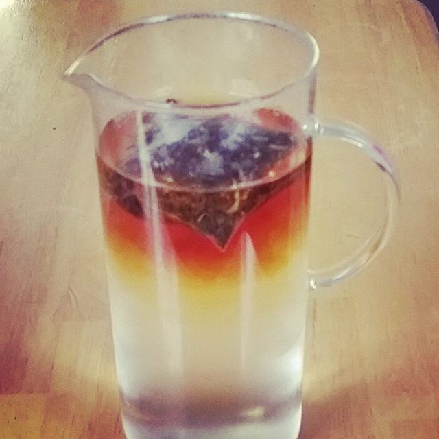 Did you know that if you add cold water and then hot water to tea, you'll end up with awesome layers? #lavalamp #adagioteas #nowyouknow #fun #mango #icedtea #tea #heatrises #science