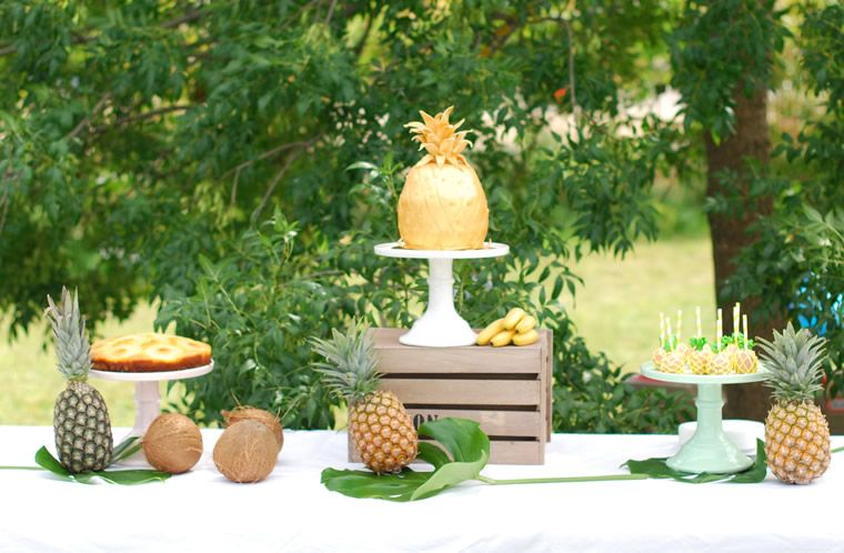 anniversaire th me tropical ananas sweet table ananas mariage tropical r alisation de candy. Black Bedroom Furniture Sets. Home Design Ideas