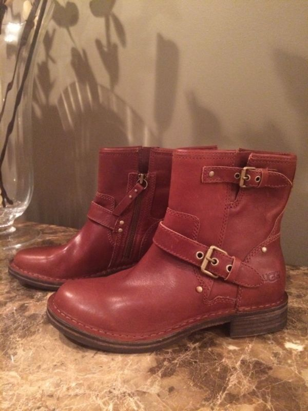 UGG Women's Bailey Button Triplet Boot Sangria Size 5