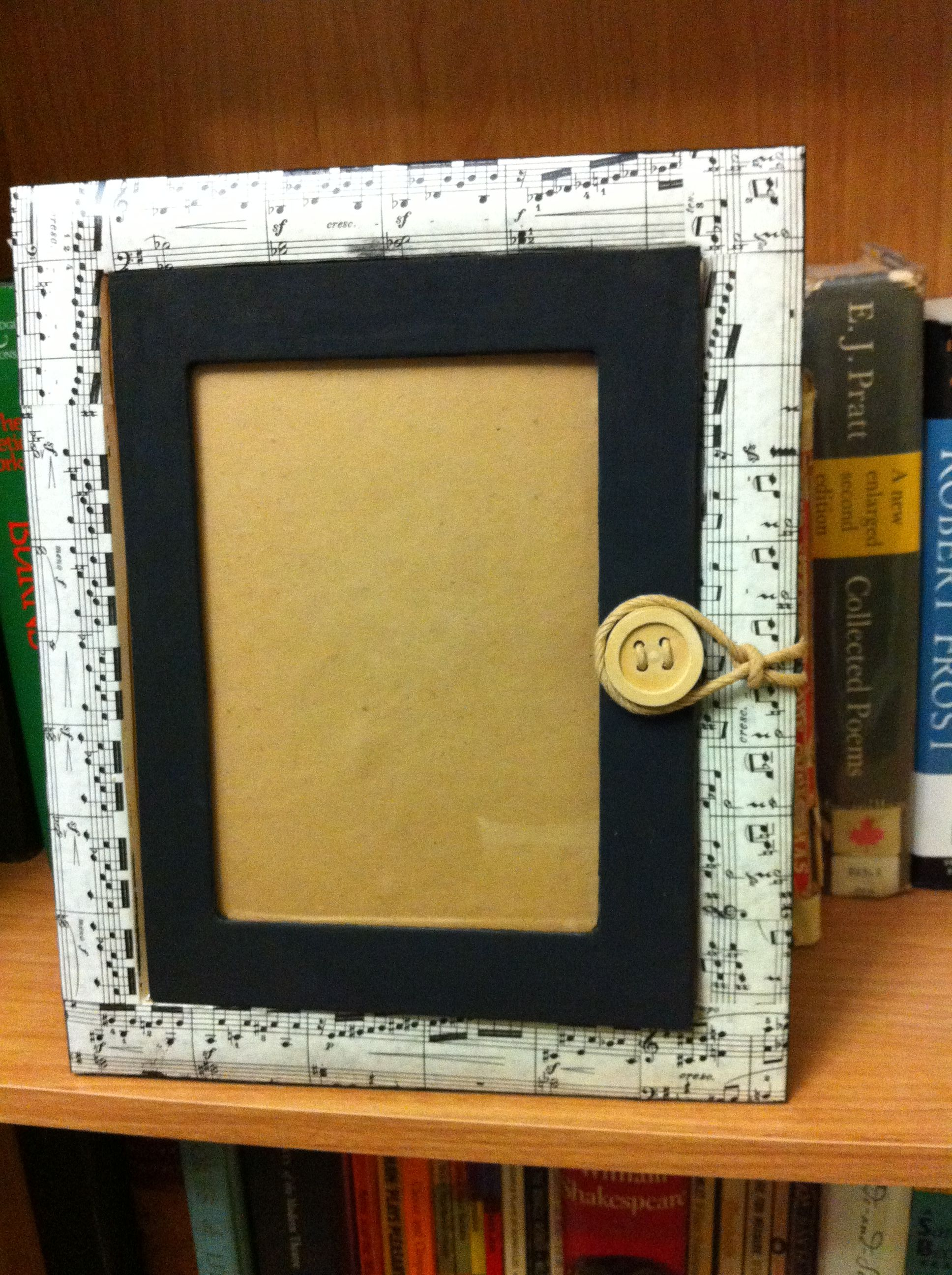 Music picture frame. | DIY Project Ideas | Pinterest