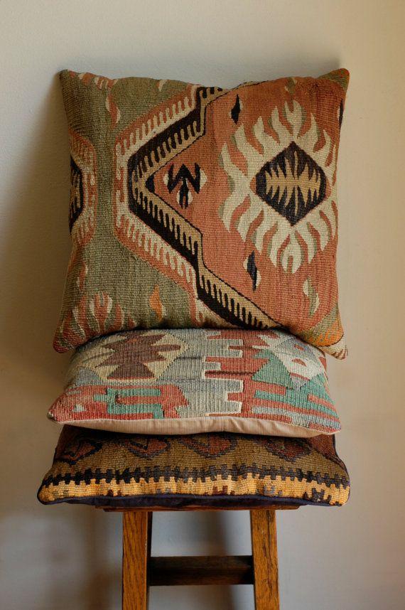 Kilim Pillow Cover   Interieur   Pinterest - Kussens, Voetenbankjes ...