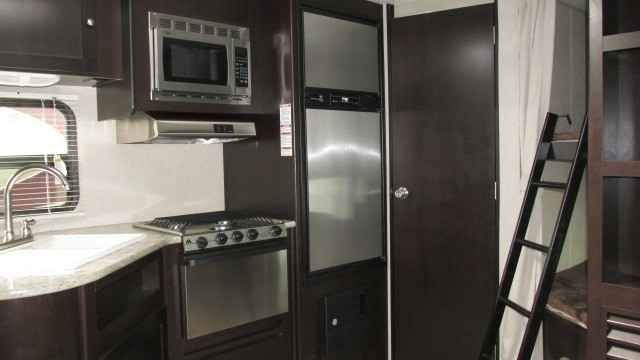 2016 New Dutchmen KODIAK 246BHSL Travel Trailer in Colorado CO.Recreational Vehicle, rv, KODIAK EXPRESS VALUE PACKAGE, KODIAK EXPRESS PACKAGE, RADIAL TIRES, HEATED AND ENCLOSED UNDERBELLY, POWER AWNING WITH LED LIGHTING, RVIA SEAL.FOR MORE INFORMATION CLICK VIEW WEBSITE ABOVE.