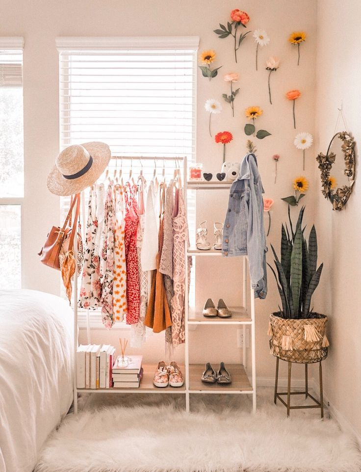 #colorfulclothes #clothingrack #closetorganization #closetgoals #closetdesign #bedroomdesign #bedroomdecor #bedroomideas #closetspace