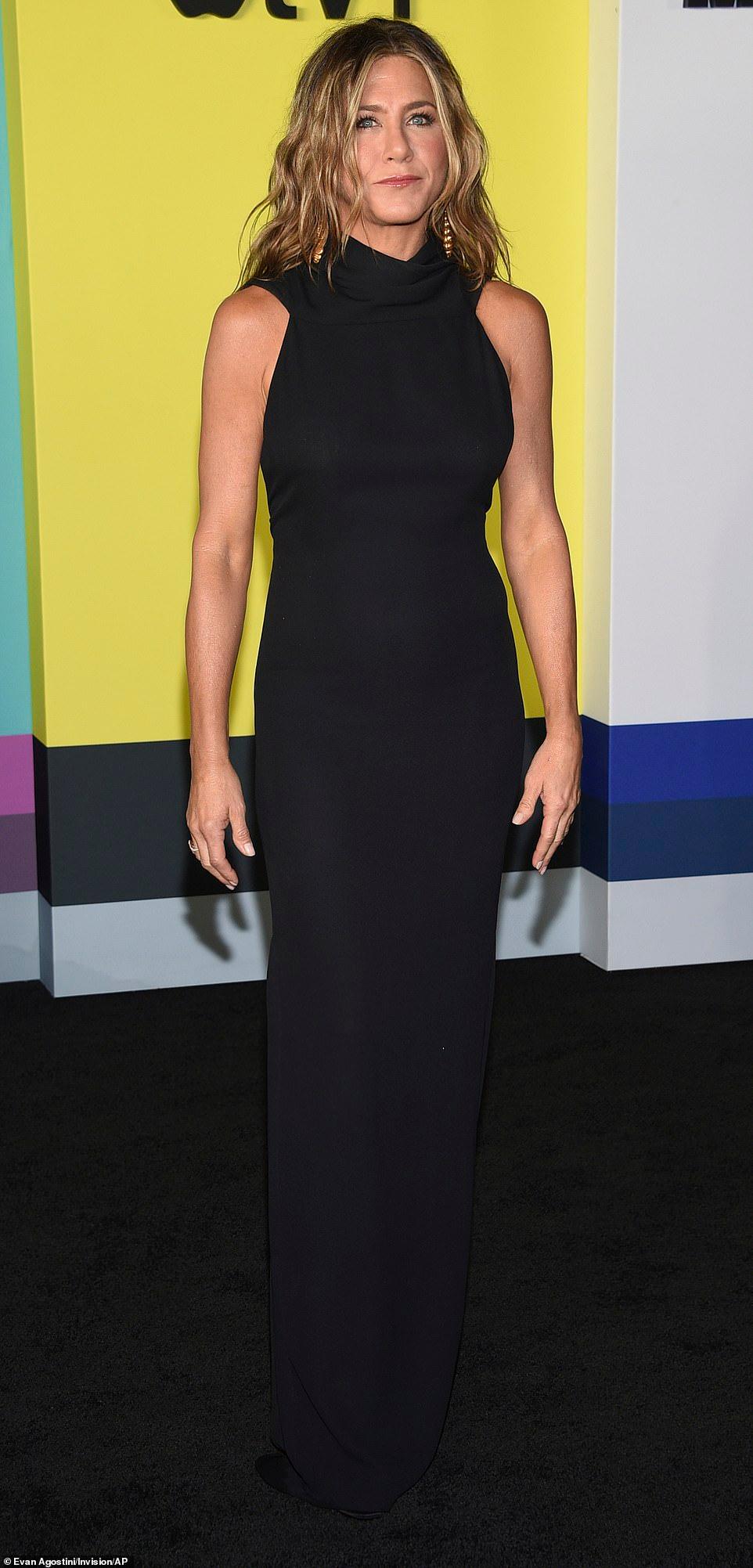 Jennifer Aniston And Reese Witherspoon Look Classic In Black Dresses Jennifer Aniston Dress Dresses Black Dress [ 2003 x 962 Pixel ]