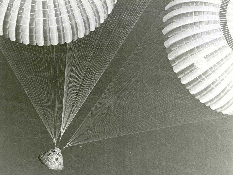 Apollo 17 Splashdown Apollo Space Program Apollo Apollo Missions