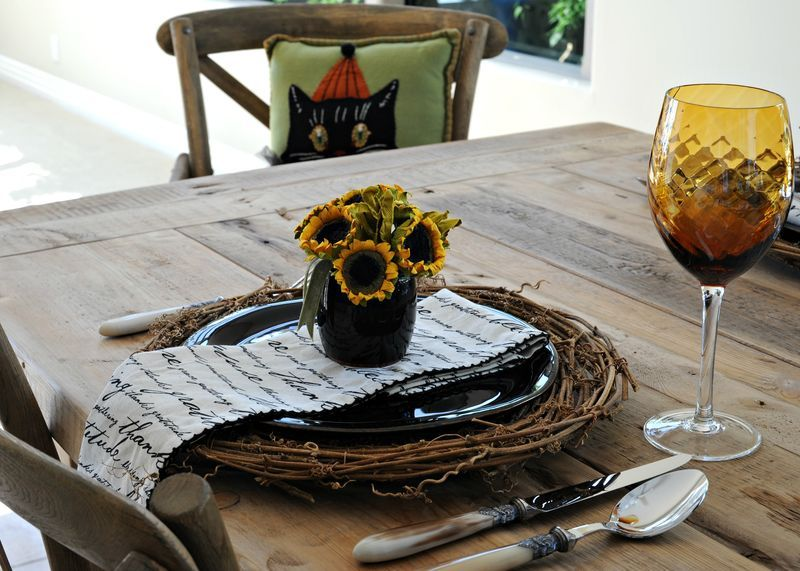 Fall table setting via Strawberry Patches, in Bakersfield, Ca