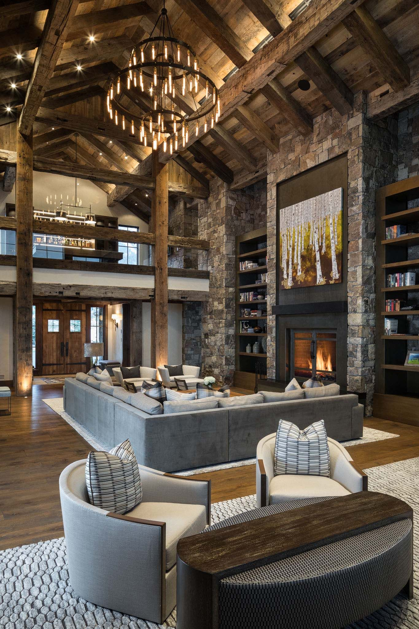 Delightful rustic home in Wyoming with a dramatic mountain backdrop #rustichomes