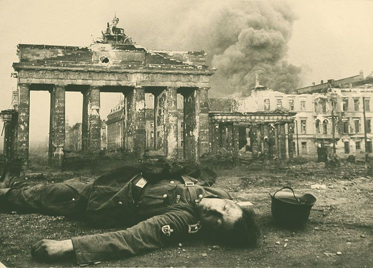 Kriegsende In Berlin 1945 Berlin Germany War