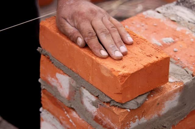 Different Mortar Mixtures And How To Mix Like A Pro In 2020 Brick Works Brick Repair Diy Home Repair