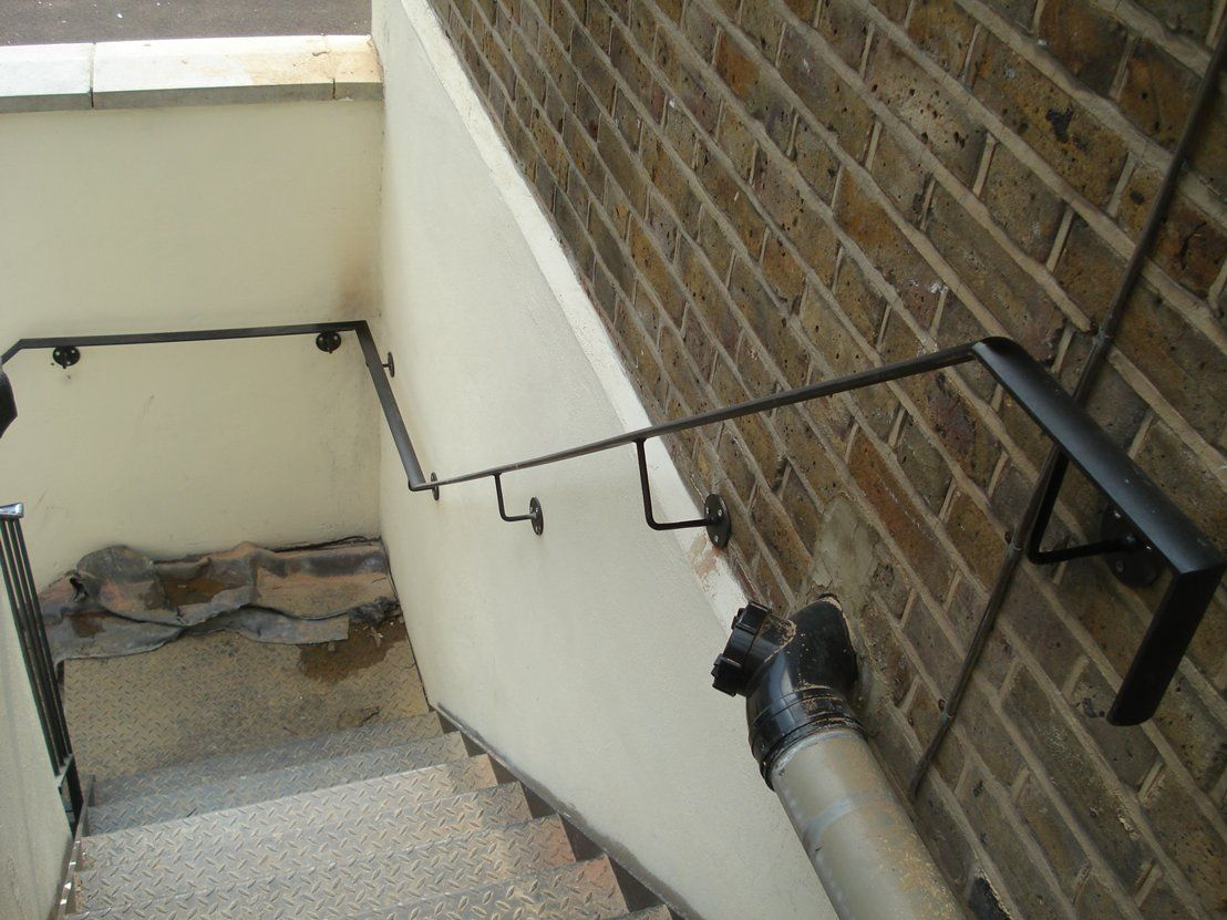 Best If Your Stairs Are Enclosed By A Wall On Both Sides Then 400 x 300