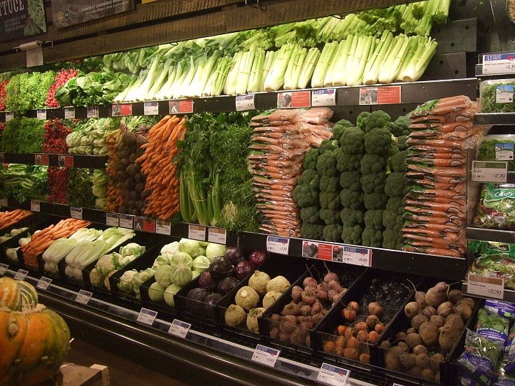 A healthy diet is simple Only eat whole foods, not