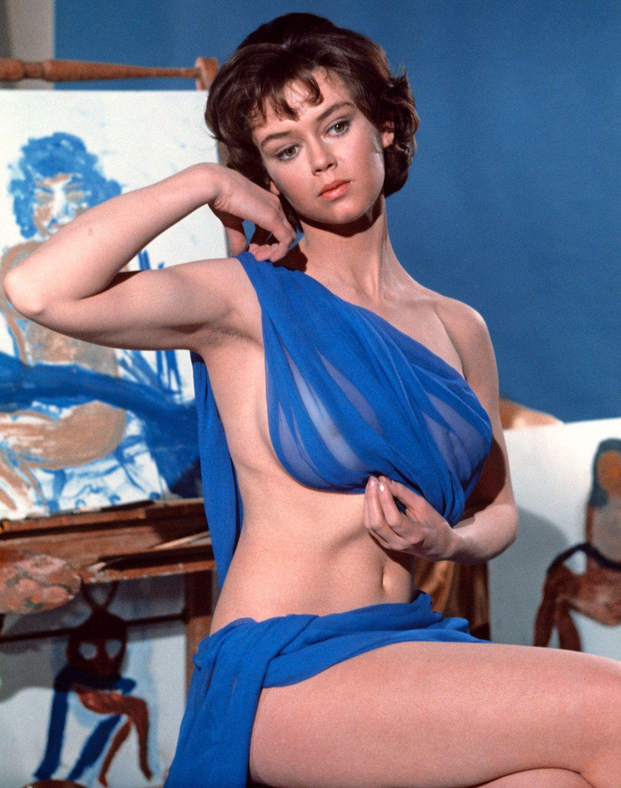 Wanda Ventham Nude | Hot Girl HD Wallpaper