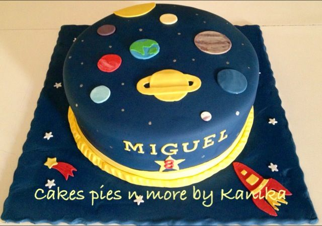 Solar System Cake With Images Solar System Cake Planet Cake