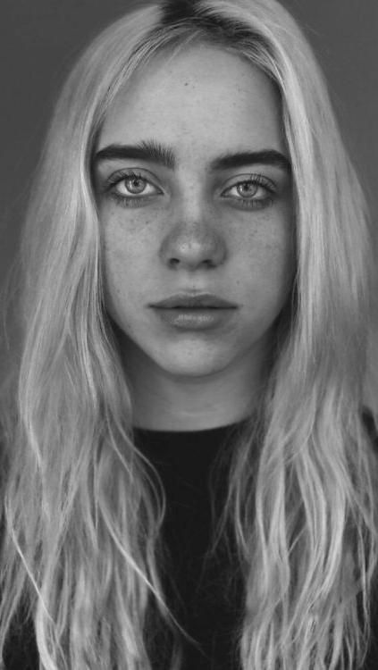 Christmas Eyeshadow Looks In 2020 Billie Eilish Billie Portrait