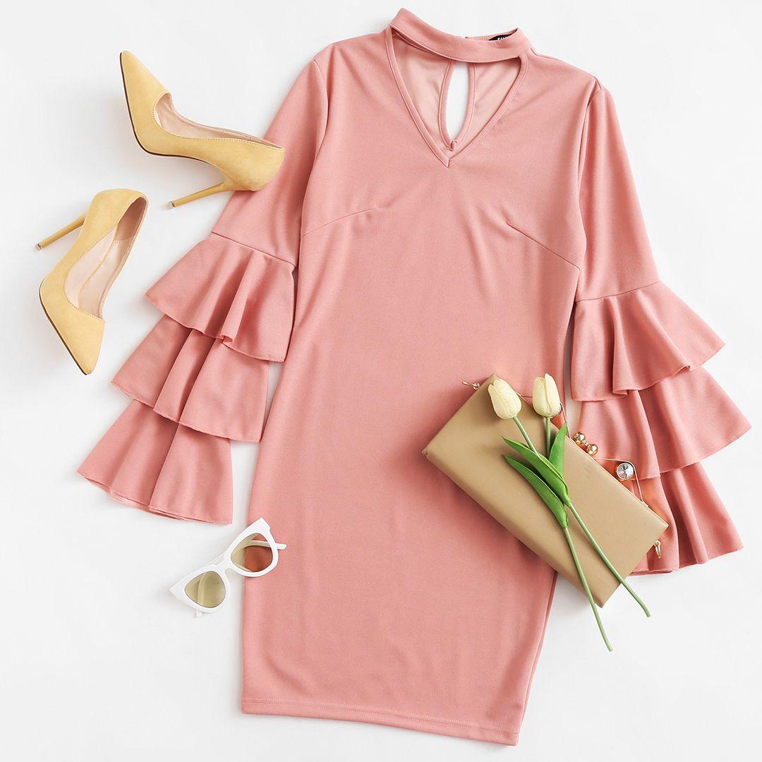 Vestido con cuello gargantilla y mangas acanaladas escalonadas  – Moda