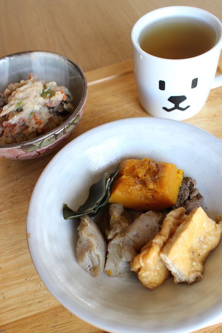 lunch on Thu. 5 Mar. 2015: leftovers: braised pumpkin, beef, Kon'nyaku, Aburaagé, braised Okara, toasted Bancha tea