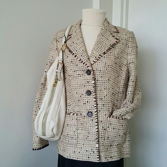 "Escada Tweed Beige & Black Blazer Authentic blazer from Escada, great for any outfit and exellent for autumn or spring, going well jeans or skirt.  Excellent condition been worn few times very gentle. Fully lined with 100% silk Leopard print,  made of 39% new wool virgen 16% silk 37% polyester 8% nylon.  Measurements are length 26"" bust 38"" Dry cleaning only Escada Jackets & Coats Blazers"