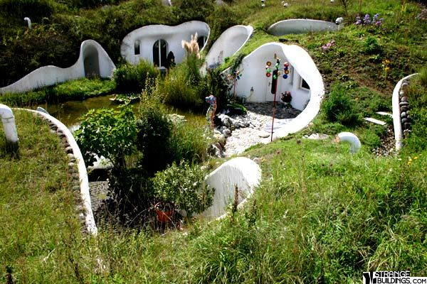 Earth House 1 Dietikon Switzerland Strange Buildings Earth Homes Underground Homes Earthship