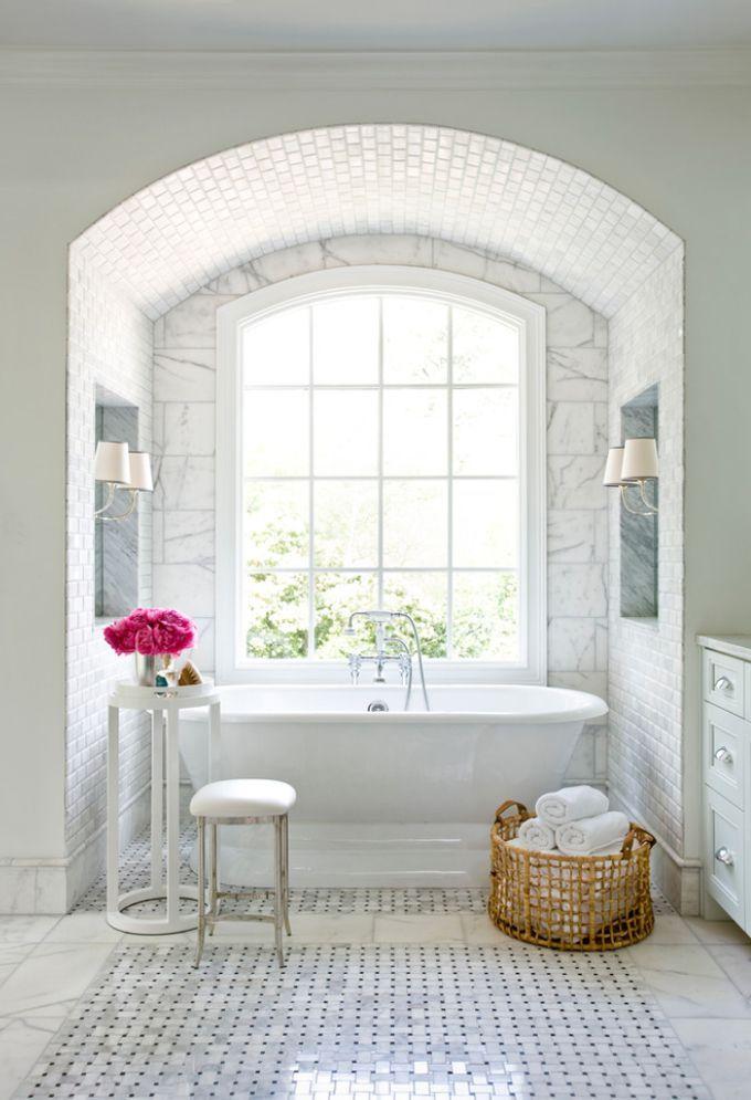 perfect layout for bathtub in master bath. Bathtub alcove with big ...