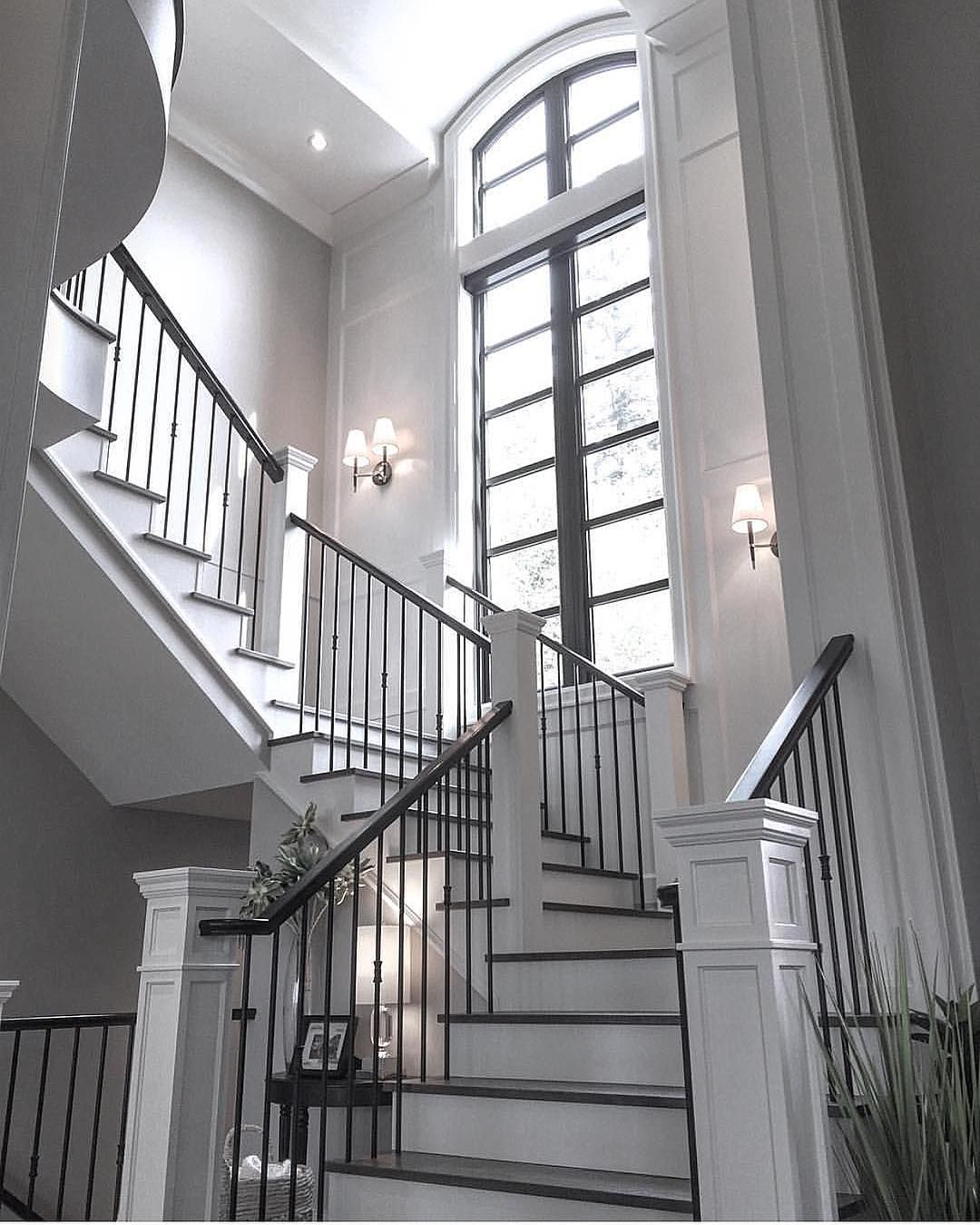 16 Elegant Traditional Staircase Designs That Will Amaze You: House Design, House, Staircase Design