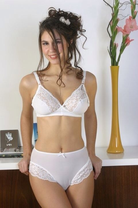 d5c5f586e4 Who could resist this lovely white lace set  Pretty Lingerie