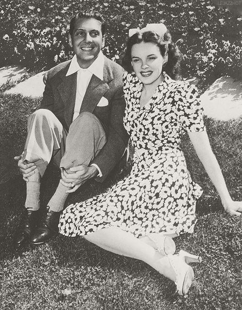 Judy Garland and first husband David Rose  d82d5ff98