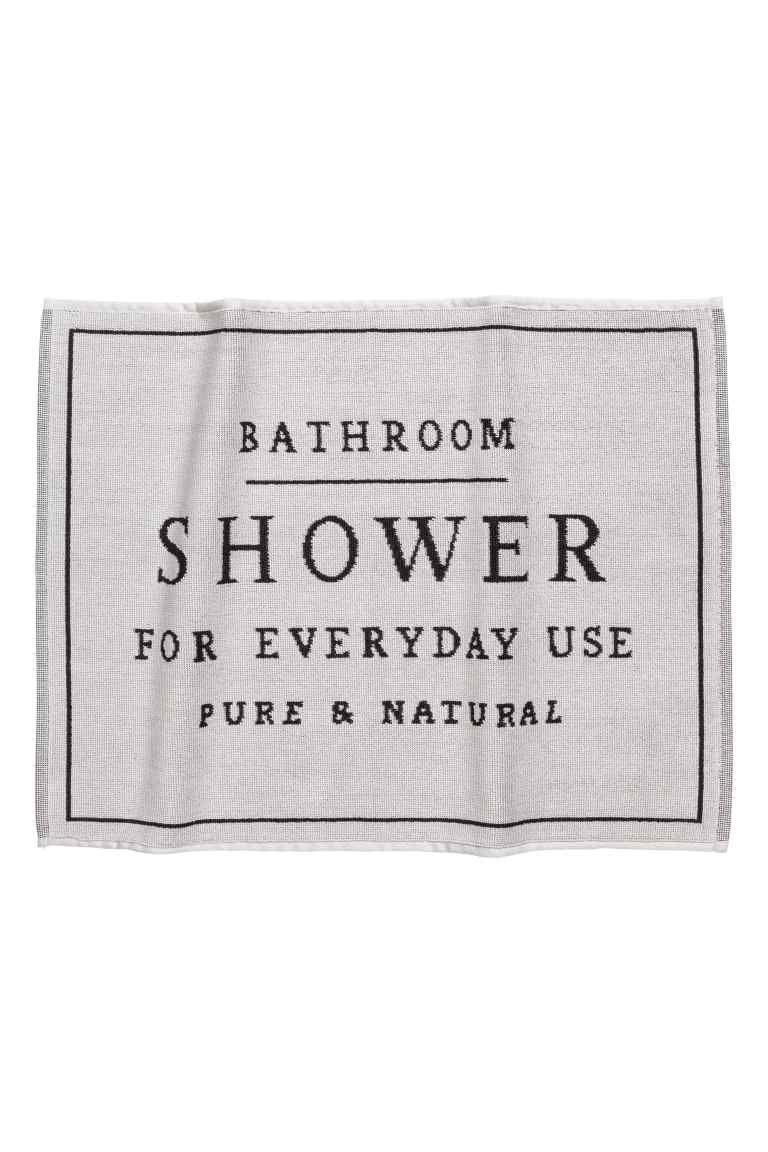 Alfombra De Bano En Jacquard Gris Claro Home H M Es Laundry In Bathroom Jacquard Weave Bath Mat