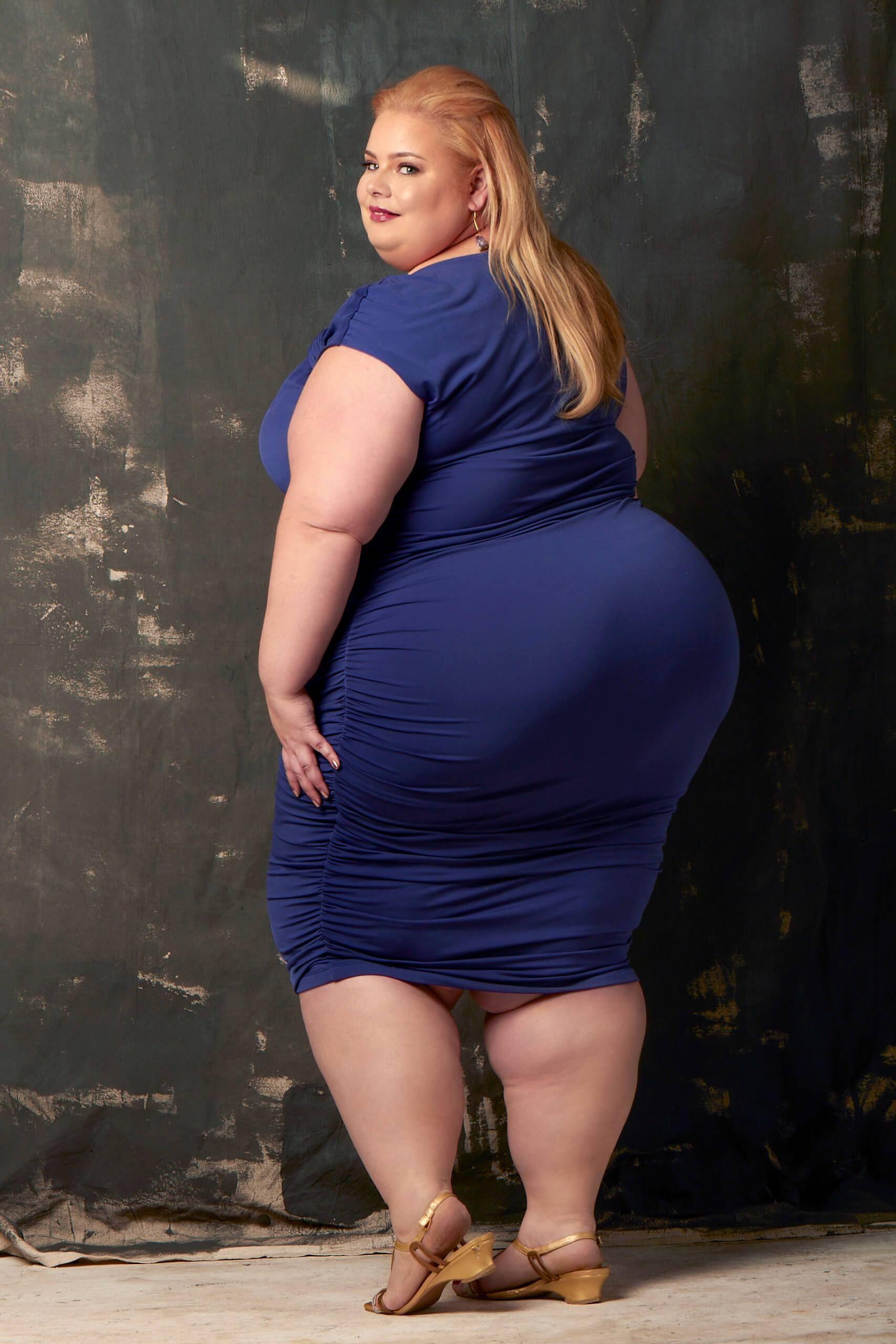 асфальту самые большие фото толстушек один