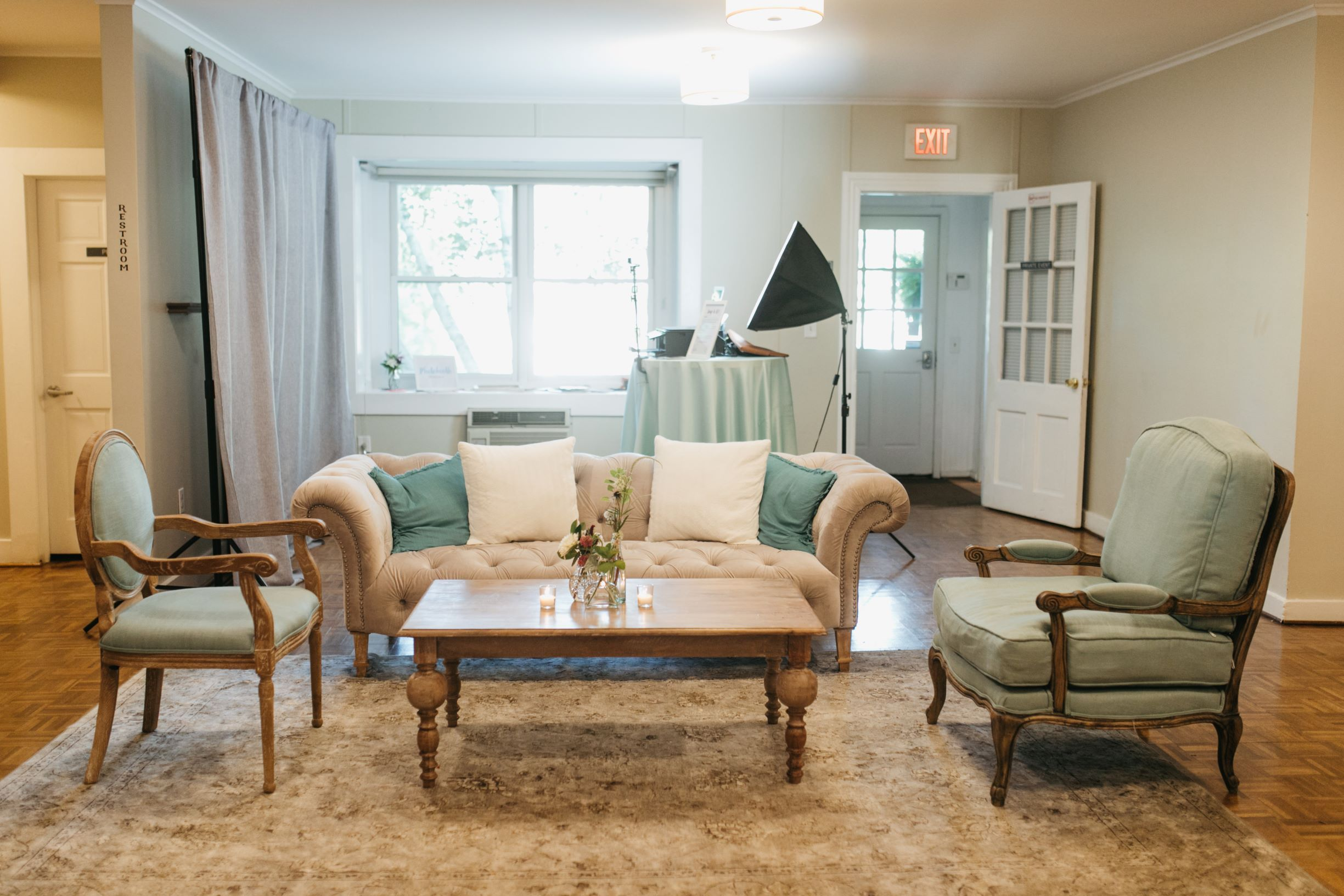 Rustic Chic Wedding Lounge Inspiration in Maryland ...