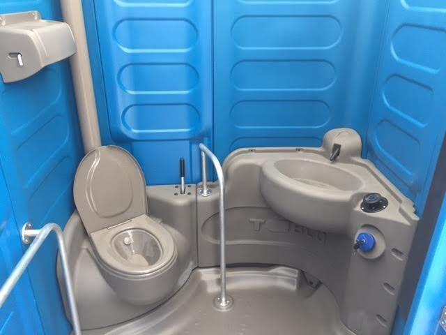 Wc Chimici Delfino Bagni Chimici Delfino Bagni Chimici Per Disabili Box 3x2 Con Bagno Chimico Space160 Handicap Accessible Portable Toilet